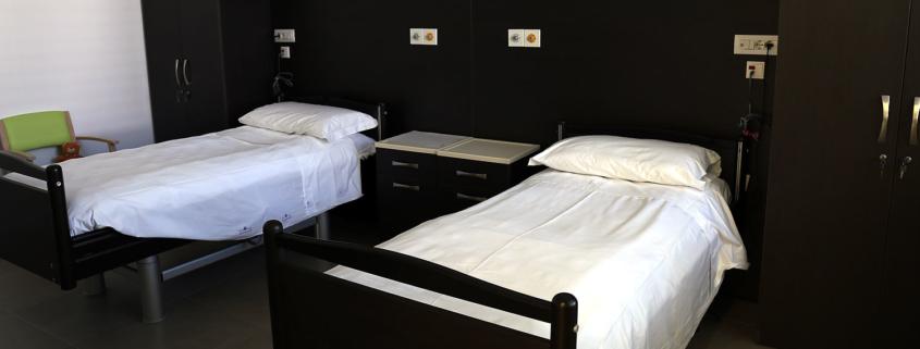 Una camera della struttura socio-sanitaria della Fondazione Città di Senigallia