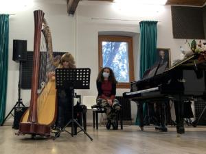 L'omaggio musicale con Lucia Galli e Ilenia Stella